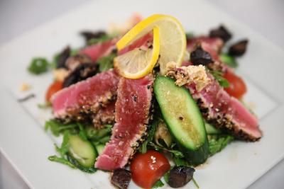 Kayndaves – Seared Ahi Arugula Salad
